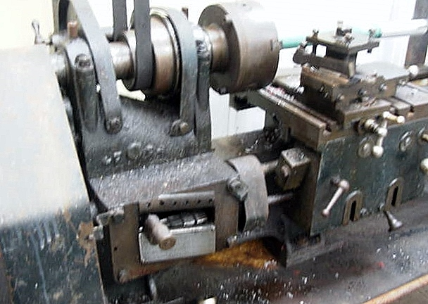 gearbox and chuck end of lathe.JPG